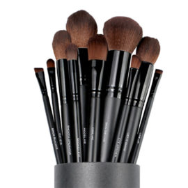 make up brushes by Serena Goldenbaum