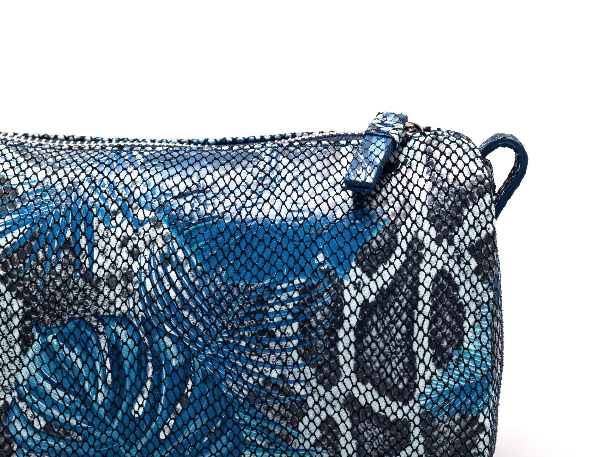 luxury leather travel bag jade farbe jungle blue serena goldenbaum beauty cosmetics. Black Bedroom Furniture Sets. Home Design Ideas