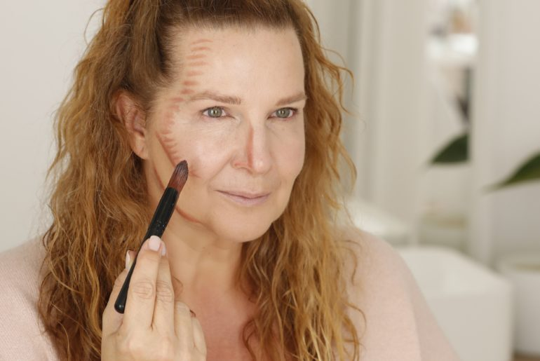 Make-up zu schlankem Gesicht